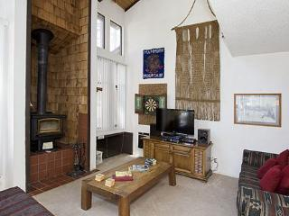Gorgeous 2 Bedroom & 2 Bathroom House in Mammoth Lakes (St. Moritz #52) - Mammoth Lakes vacation rentals