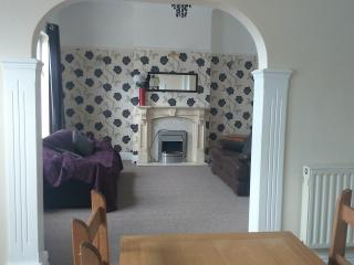 Seaside, sunny 2 doublebed, first floor apartment - Wallasey vacation rentals