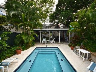COCONUT PALM - Bahama Village Home w/ Huge Pvt Hot Tub - Great for Families! - Key West vacation rentals