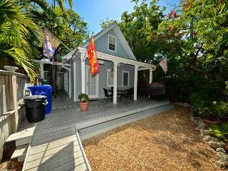 SOUTHERN CROSS @ TROPICAL VILLAGE - Beautifully Updated Home w/ Shared Pool. - Key West vacation rentals
