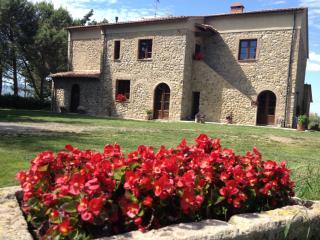 L' Antica Quercia - Girasole - Pomarance vacation rentals