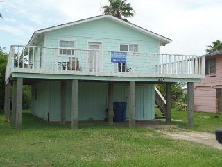 I Love This Cottage, 2/1, Pet Friendly, Boat Parking - Port Aransas vacation rentals