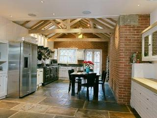 Beautiful Oxford Townhouse close to Central Oxford - Oxford vacation rentals