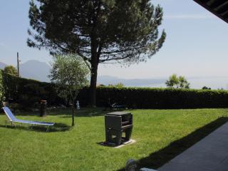 Appartamento indipendente in villetta bifamiliare - Verbania vacation rentals