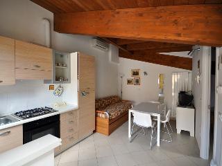 Grazioso appartamento al mare - Pineto vacation rentals