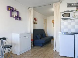 Très beau studio climatisé - Cap-d'Agde vacation rentals