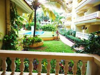 Seaside 1 BHK apartment with Pool infront !! - Varca vacation rentals