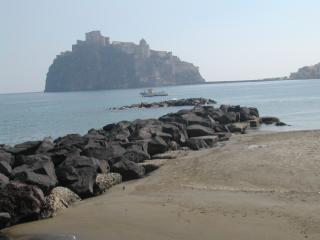 ISCHIA APPARTAMENTO CENTRALISSIMO 50 Mt. DAL MARE - Ischia vacation rentals