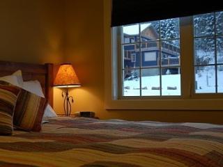 Bear's Den - Kootenay Rockies vacation rentals