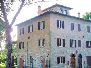 Todi Country House - Todi vacation rentals