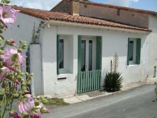 Charmante petite maison réthaise - Sainte Marie de Re vacation rentals