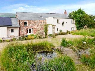 GLEN BANK, detached farmhouse, with four bedrooms, two woodburning stoves, and large, enclosed garden, in Brampton, Ref 16760 - Romaldkirk vacation rentals
