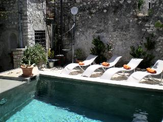 Sermoneta, Historic Stone Village House with Pool, in a  Medieval Hill Town close to Rome and Naples - Sermoneta vacation rentals
