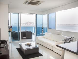 Sleek 1 Bedroom Apartment with Amazing Views in Castillo Grande - Cartagena vacation rentals
