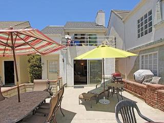 Great patio for enjoying Newport sunshine all year! (68371) - Newport Beach vacation rentals