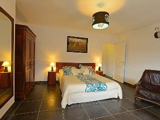 Chambre;Tea-time Le clos des pierres rouges - Le Puy-en Velay vacation rentals
