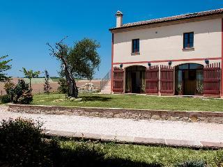 Acqua Salata - Fiori - Serra San Quirico vacation rentals