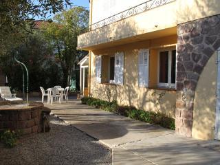 Tranquille flat in Villa - frejus vacation rentals