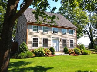 Vineyard Haven -Hidden Gem Close To Town 118225 - Vineyard Haven vacation rentals