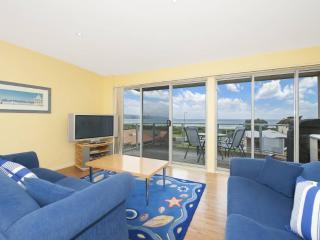 MOOS VIEW- SPECIALS - Victoria vacation rentals