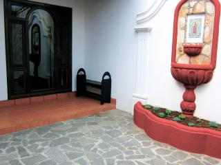 Little Guesthouse Antigua - Antigua Guatemala vacation rentals