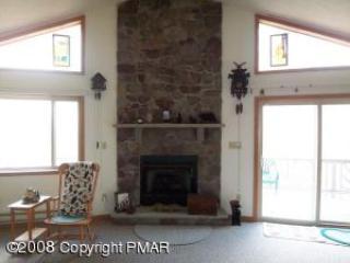 BC033 82683 - Image 1 - Blakeslee - rentals