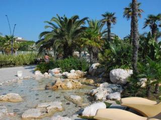 Beach House San Benedetto del Tronto Last Minute - San Benedetto Del Tronto vacation rentals