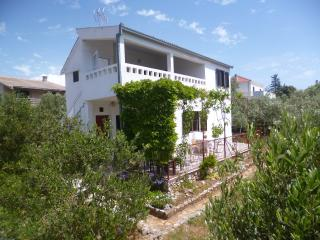 Apartment with terrace and sea view - Vinisce vacation rentals