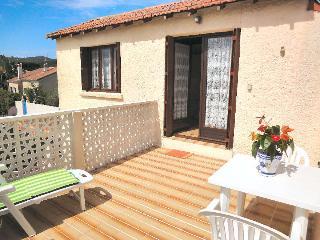 Studio en villa la seyne - La Seyne-sur-Mer vacation rentals