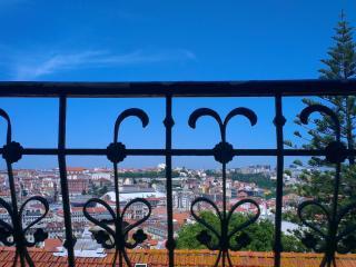 An Amazing View 3BR+2Bath+WIFI - Lisbon vacation rentals
