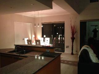 Superb 2 storey apartment in resort complex - South Perth vacation rentals