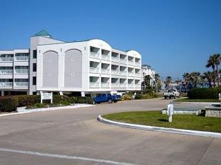 Beachview, Wi-Fi, Fishing Pier - Galveston vacation rentals
