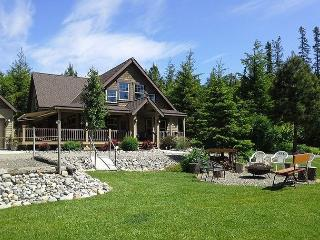 Incredible Mt. Home! Huge Game Room|Hot Tub|Slps16|Wifi *Specials* - North Cascades Area vacation rentals
