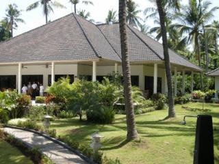 Villa Burung - Temukus vacation rentals