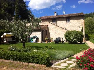 Cà GioviAle - Urbino vacation rentals