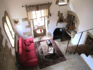 Restored character property in mediaval village - Uzes vacation rentals