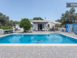 Casita sencilla  con piscina de 10X5.in ibiza - Santa Eulalia del Rio vacation rentals