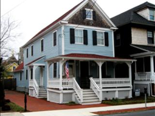 IN TOWN AND CLOSE TO BEACH 8868 - Image 1 - Cape May - rentals