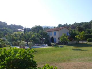 4 bedroom sun filled provençal house with pool - Saint-Jean-du-Pin vacation rentals