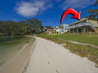 Bay Vista Beach House, 3 Randall Drive - Port Stephens vacation rentals