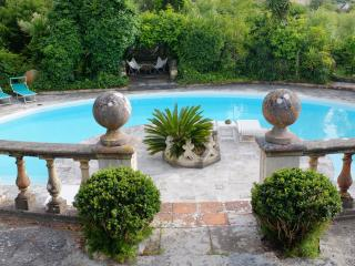 guest room in private villa with pool - Colares vacation rentals
