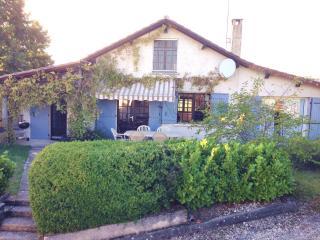 Beautiful 4 bed farmhouse nr Brantome - Dordogne Region vacation rentals