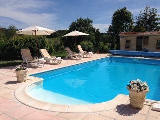 Charming french gite nr Brantome 25% discount - Dordogne Region vacation rentals