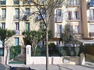 Sunny apartment near old town and port of Nice. - Nice vacation rentals