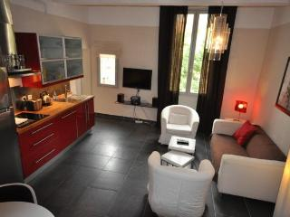 Superb Apartment Merindol, 2 bedrooms - Aix-en-Provence vacation rentals
