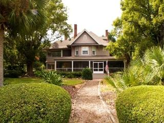 north Orlando's finest bed & breakfast - York Harbor vacation rentals