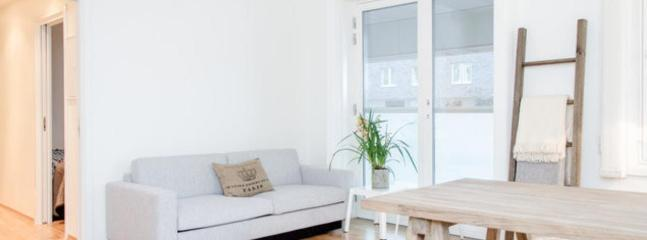 Livingroom - Modern Seaview apt.only 10 min walk to Central St. - Oslo - rentals