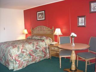 Luxuries pillow top bed - 1BR rooms in the heart of the island! - Chincoteague Island - rentals