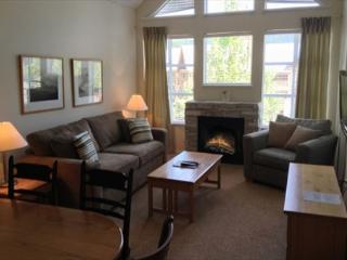 Glacier Lodge 322 - Upper Village Ski in Ski out with pool and hot tub access - Whistler vacation rentals
