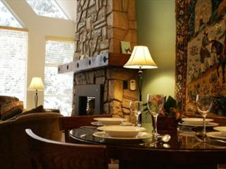 Woodrun 618 - Deluxe Condo, ski-in ski-out access - Whistler vacation rentals